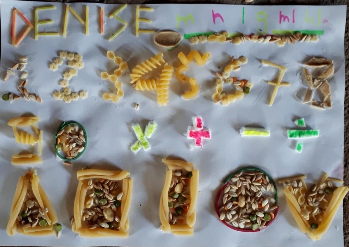 Creazione con pasta e semi (Denise)